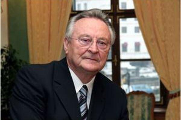 Pri menovaní novej vlády zostal Milan Čič verný svojej povesti. Tentoraz si poplietol poradie novovymenovaných ministrov.