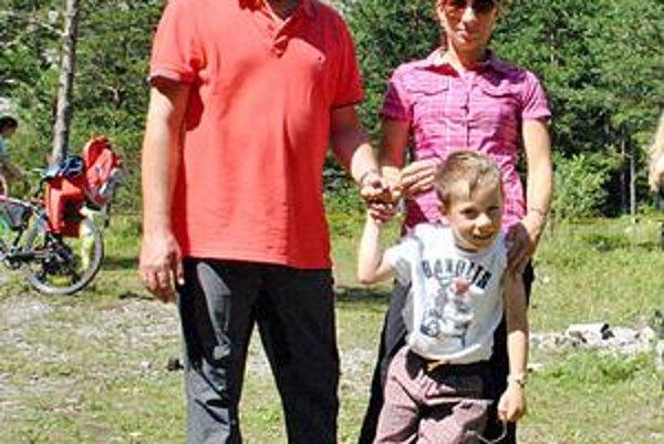 Rodinka. Matej Landl prišiel do Tatier s manželkou Jankou a 6-ročným synom Maťkom. Dvaja starší synovia majú už iné záujmy.