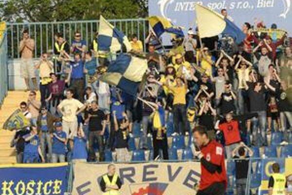 Proti Dubnici bez nich. Fanúšikovia MFK sa postarali, že v sobotu bude štadión prázdny.