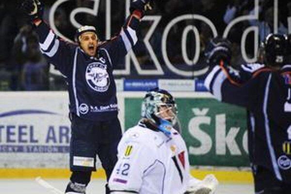 Košičan Peter Bartoš mal včera dôvod na radosť - dva razy prekonal brankára Slovana.