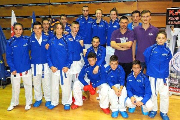 Karatisti KK Farmex Nitra na majstrovstvách Slovenska v Trnave.