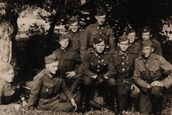 Vojaci za druhej svetovej vojny.