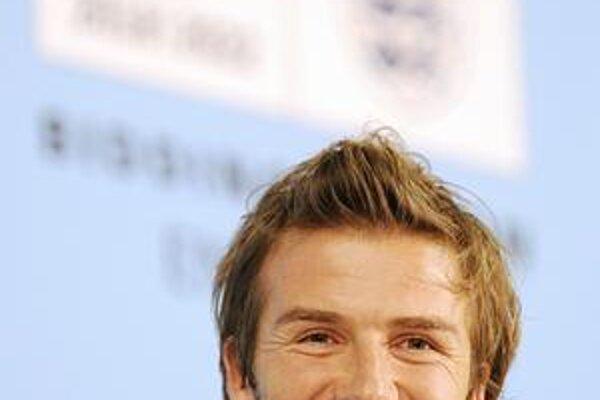 David Beckham. Viceprezident kandidatúry Anglicka na futbalové MS 2018 sa ešte usmieval počas včerajšej tlačovej konferencie v Zürichu.