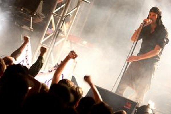 Kultová kapela Laibach sa dnes predstaví v košickom Kulturparku.