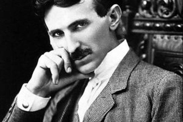 Nikola Tesla. Má na konte okolo tristo patentov.