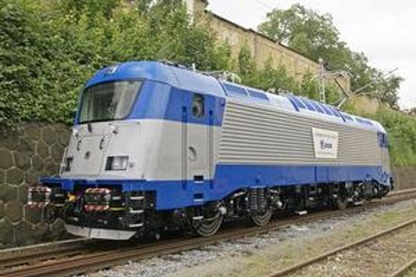 Rušeň Škoda 109E. Takéto moderné rušne by mali voziť vlaky aj na slovenských tratiach.