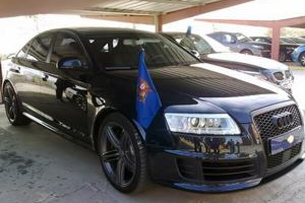 Audi RS6 španielskeho kráľa. Španielsky kráľ Juan Carlos I. je milovníkom výkonných a rýchlych áut.