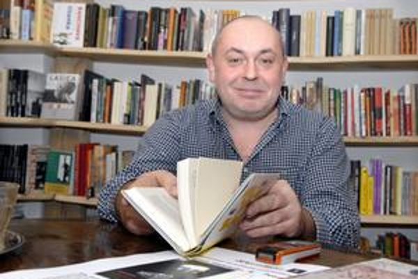Autor, vydavateľ i šéfredaktor Peter Šulej sa momentálne najviac venuje vlastnej tvorbe.