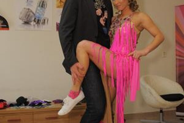 S Katkou Štumpfovou. Pre profesionálne tanečnice Fero šije veľmi rád.