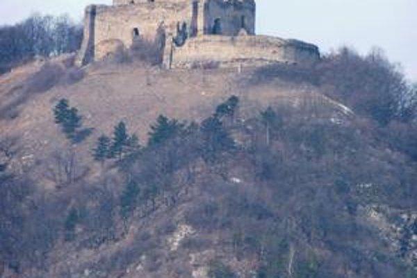Kapušiansky hrad. Pôvodne strážna pevnosť, neskôr šľachtické sídlo a významný prvok obrany v regióne.