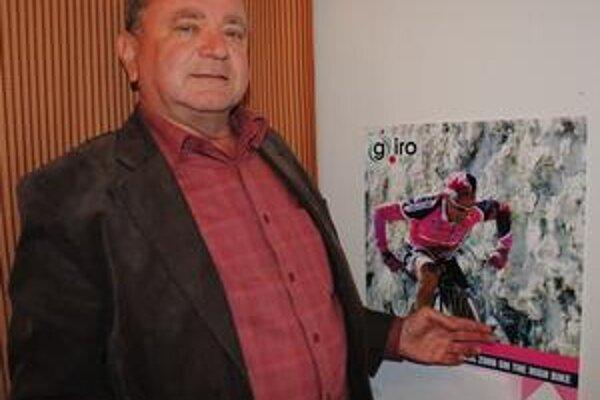 Ján Biľo. Jozefa Zimovčáka nám ukázal na plagáte k pretekom Giro d'Italia, ktorých sa zúčastnil v roku 2006. O rok neskôr lekári diagnostikovali rakovinu len dvojročnému Matúškovi Bilíkovi.