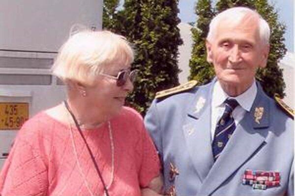 S manželkou Margaret. Našli sa cez vojnu, spojil ich jej hlas...