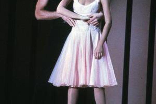 Hriešny tanec. Najslávnejší film Patricka Swayzeho a Jennifer Grey.