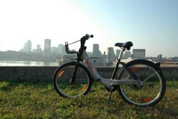 Bicykel Bixi. V Montreale je pre verejnosť k dispozícii tritisíc takýchto bicyklov.