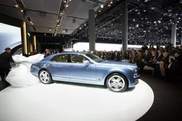 Limuzína Bentley Mulsanne. Novú limuzínu slávnostne odhalili vo Frankfurte.