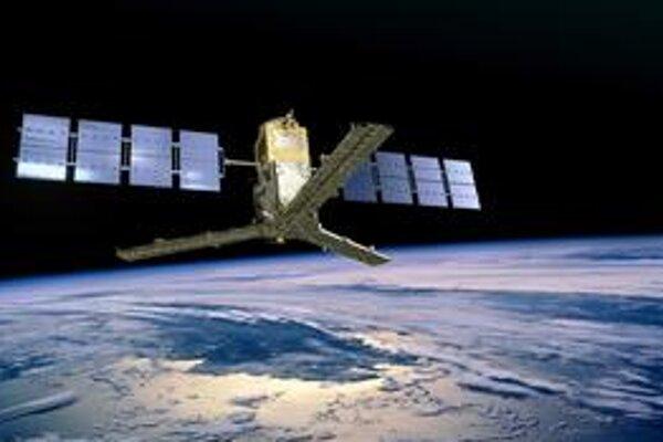 Kresba družice SMOS. Družica SMOS meria vlhkosť pôdy a slanosť oceánov.