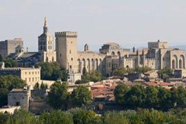 Celkový pohľad na palác, ktorý je najväčším gotickým palácom v Európe