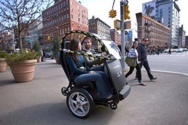 Vozidielko P.U.M.A. Vyvinuli ho koncern General Motors a firma Segway