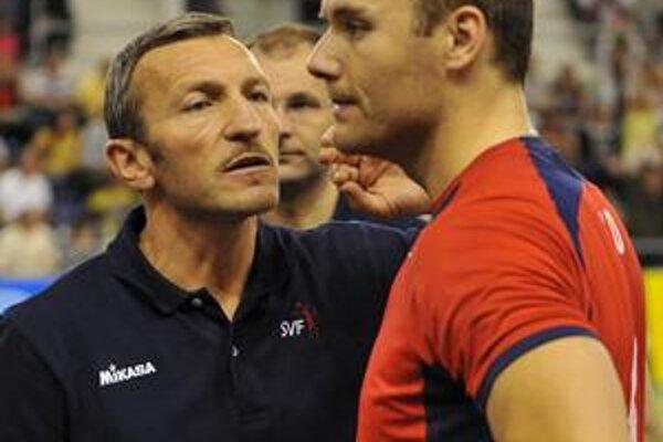 Nastúpil. Slovenský tréner Emanuele Zanini s Martinom Sopkom.