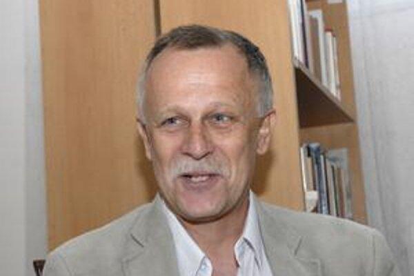 Obľúbený český pesničkár. Poslucháči ho majú radi pre optimizmus a nabrúsený jazyk.