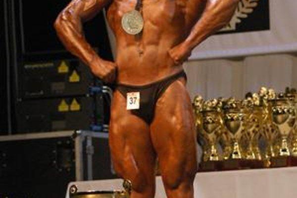 Strieborný Igor Illés veril, že doma šampionát vyhrá.