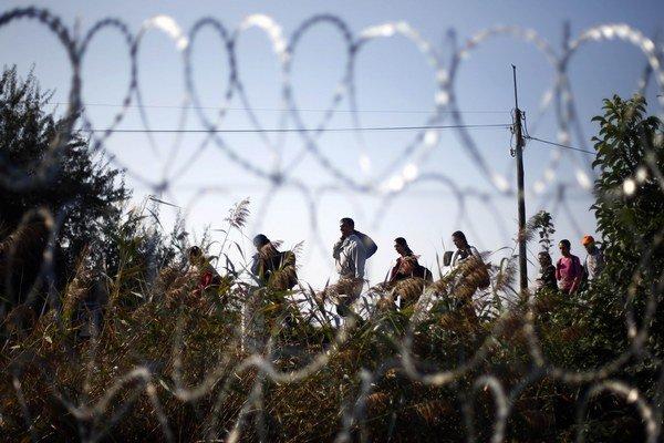 Jobbik zábrany na hranici schvaľuje.
