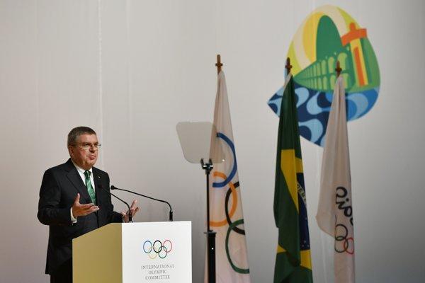 Počas zasadnutia sa prihovára prítomným prezident MOV Thomas Bach.