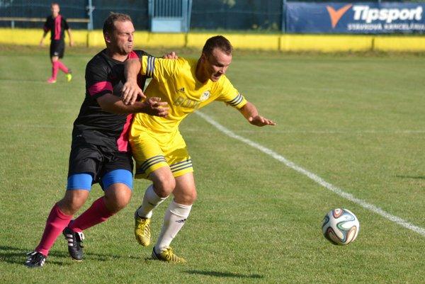 Pred týždňom vstredu sa vSobranciach hralo zemplínske derby. Domáci vsúboji 2. kola štvrtej ligy Juh zdolali Veľké Kapušany 2:0.