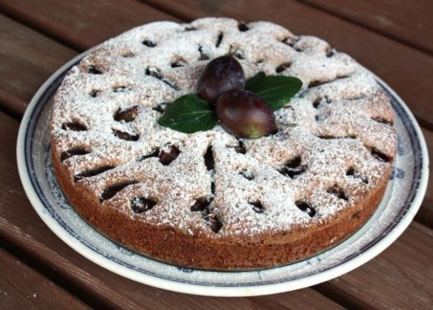 Slivkovo-orechový koláč