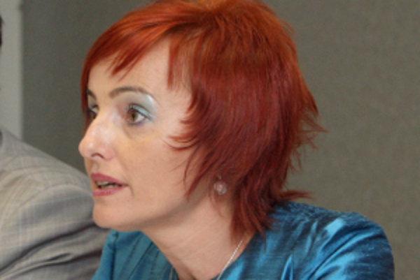 Primátorka Katarína Macháčková má nižší plat.