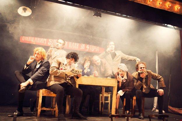 Jedno z vyhľadávaných predstavení Teatro Tatro Majster a Margarétka rieši veľké ľudské témy – lásku, politiku aj diabla.