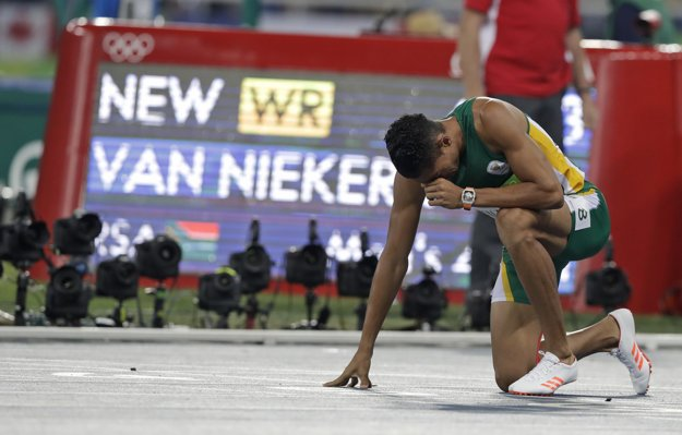 Van Niekerk prekonal svetový rekord v behu na 400 metrov.