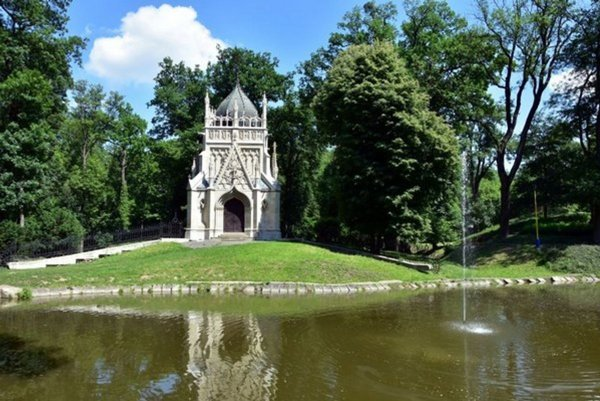 Trebišovský park.