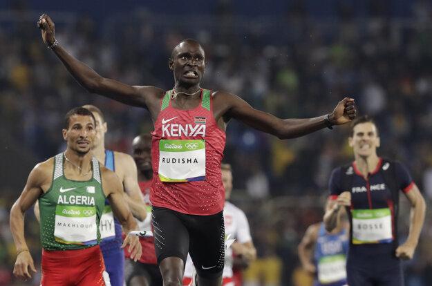 David Rudisha vo víťaznom dobehu disciplíny 800 m.
