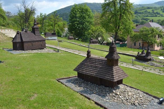 Miniatúry chrámov na severovýchode Slovenska.