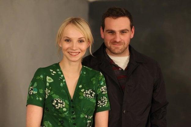 Do úlohy Ireny Čubírkovej režisér pôvodne vybral českú herečku Janu Plodkovú. Jej druha Ambróza Ščepku mal stvárniť vtedy málo známy Ján Jackuliak.