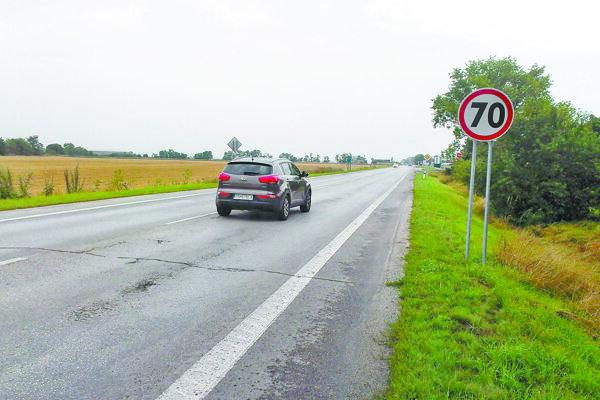 Tabuľu Piešťany nahradila dopravná značka 70 km/h.