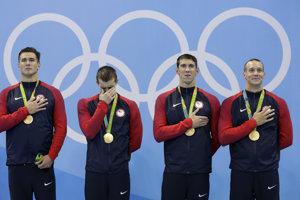 Americkí plavci počúvali na olympiáde v Riu hymnu, s ktorou neboli hudobní kritici veľmi spokojní.
