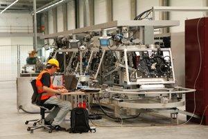 Výrobná linka je nainštalovaná v malej časti haly s plochou 18 500 metrov štvorcových.
