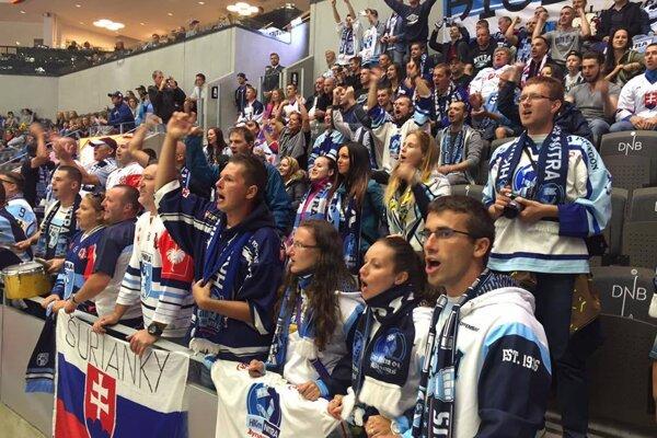 Hokejisti Nitry mali v Stavangeri aj podporu v hľadisku.