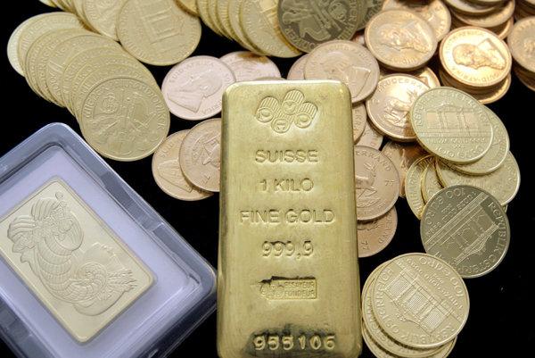 Zlato sa uchováva v tehličkách, ale aj v zlatých minciach.