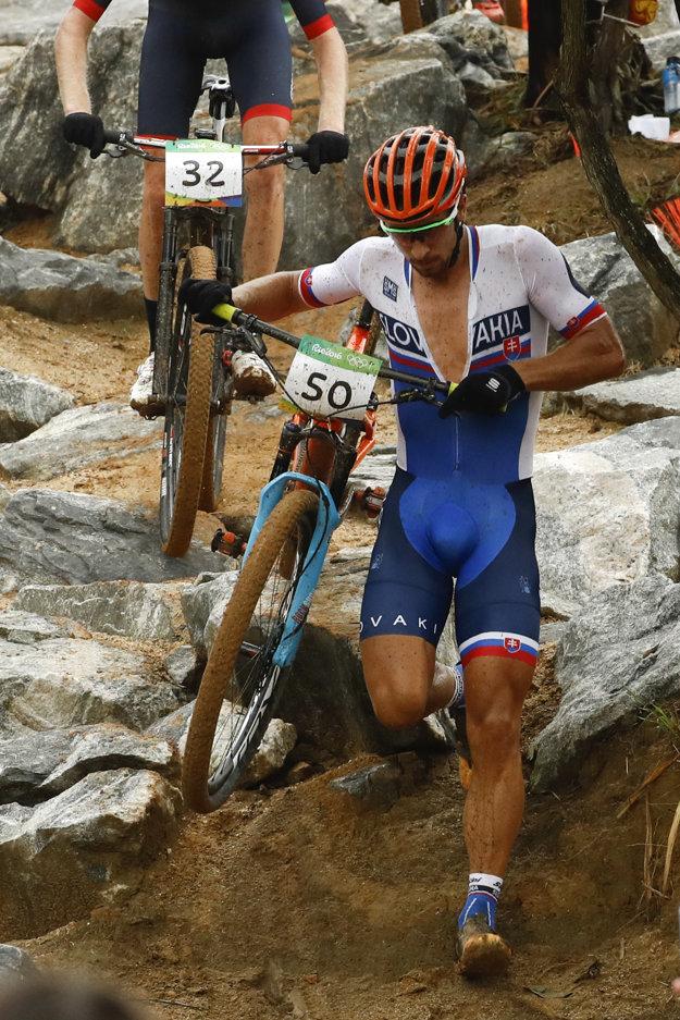 Sagan mal niekoľkokrát počas pretekov technické problémy.