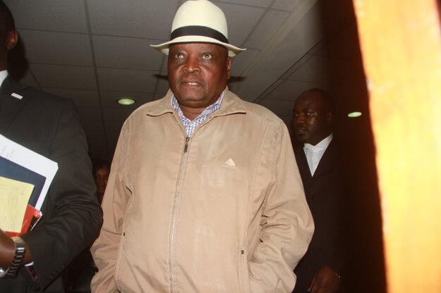 Šéfa kenských atlétov zatkli. Mal ponúkať informácie o dátumoch dopingových kontrol.