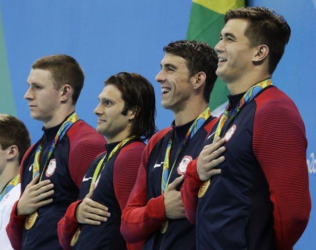 Zľava Ryan Murphy, Cody Miller, Michael Phelps a Nathan Adrian.