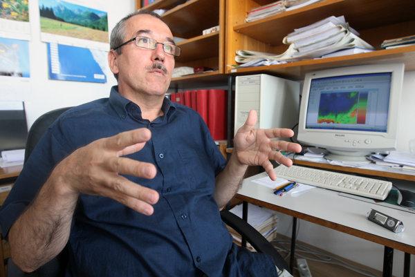 Pavel Faško konštatoval, že častosť a hustota výskytu intenzívnych búrok pribúda.