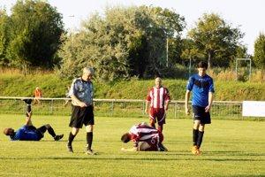 Futbal na dedine je najmä príležitosť stretnúť sa povzbudzovať svojich.