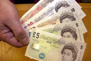 Kurz libry oproti euru je v niektorých zmenárňach v Británii takmer vyrovnaný
