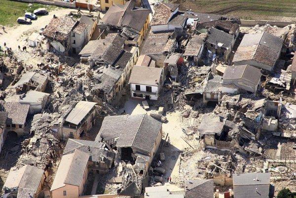 Zničená L'Aquila v roku 2009.