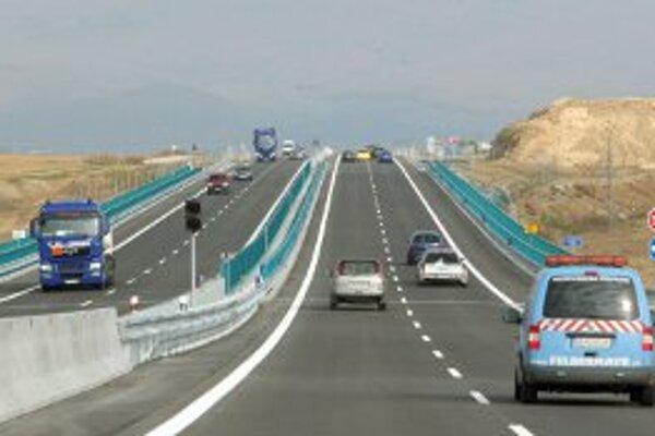 Rýchlostná cesta medzi Trenčínom a Prievidzou zatiaľ zostáva len v polohe plánov.