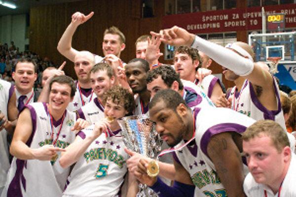 Basketbaloví šampióni.